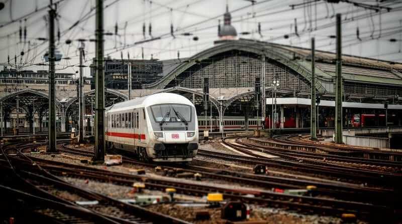 Ein Mann Schmeißt Sich Vor Den Zug Dieser Deutsche Rapper Stand