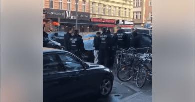 Capital Bra verarscht Polizisten – und wird dafür hochgenommen
