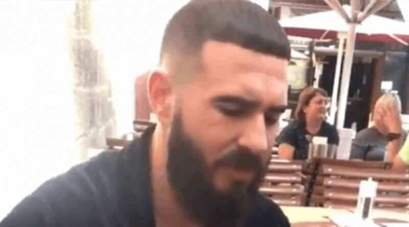 Das Ist Der Friseur Der Shindy Die Star Trek Frisur Verpasst Hat